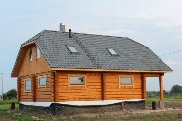 Kõlli handcrafted log house