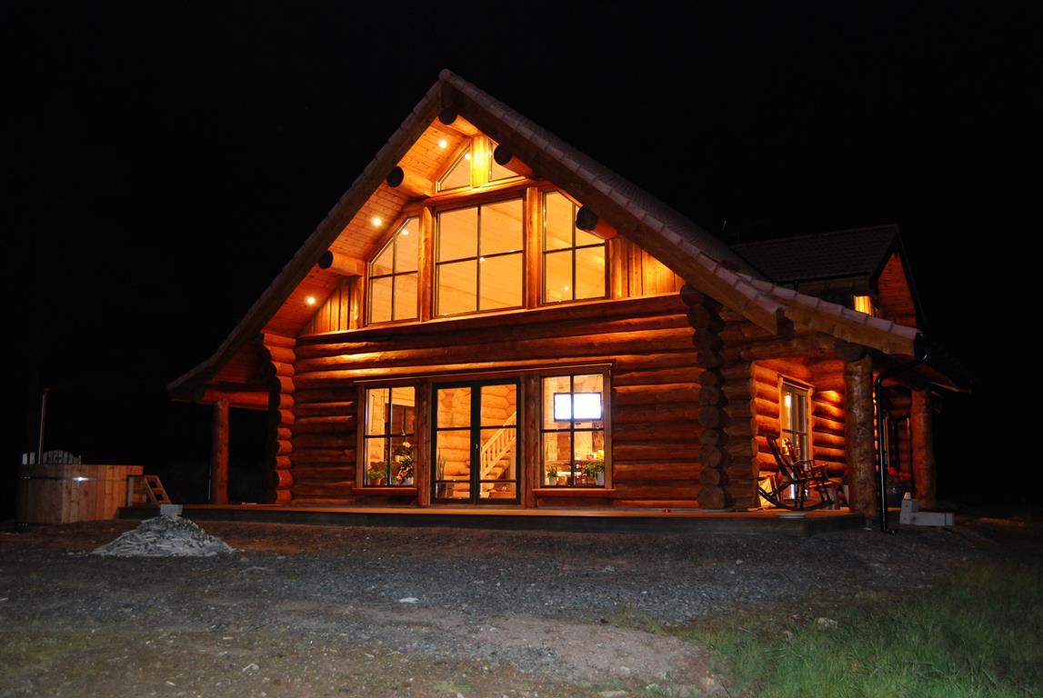Modern Log Cabins & Plans