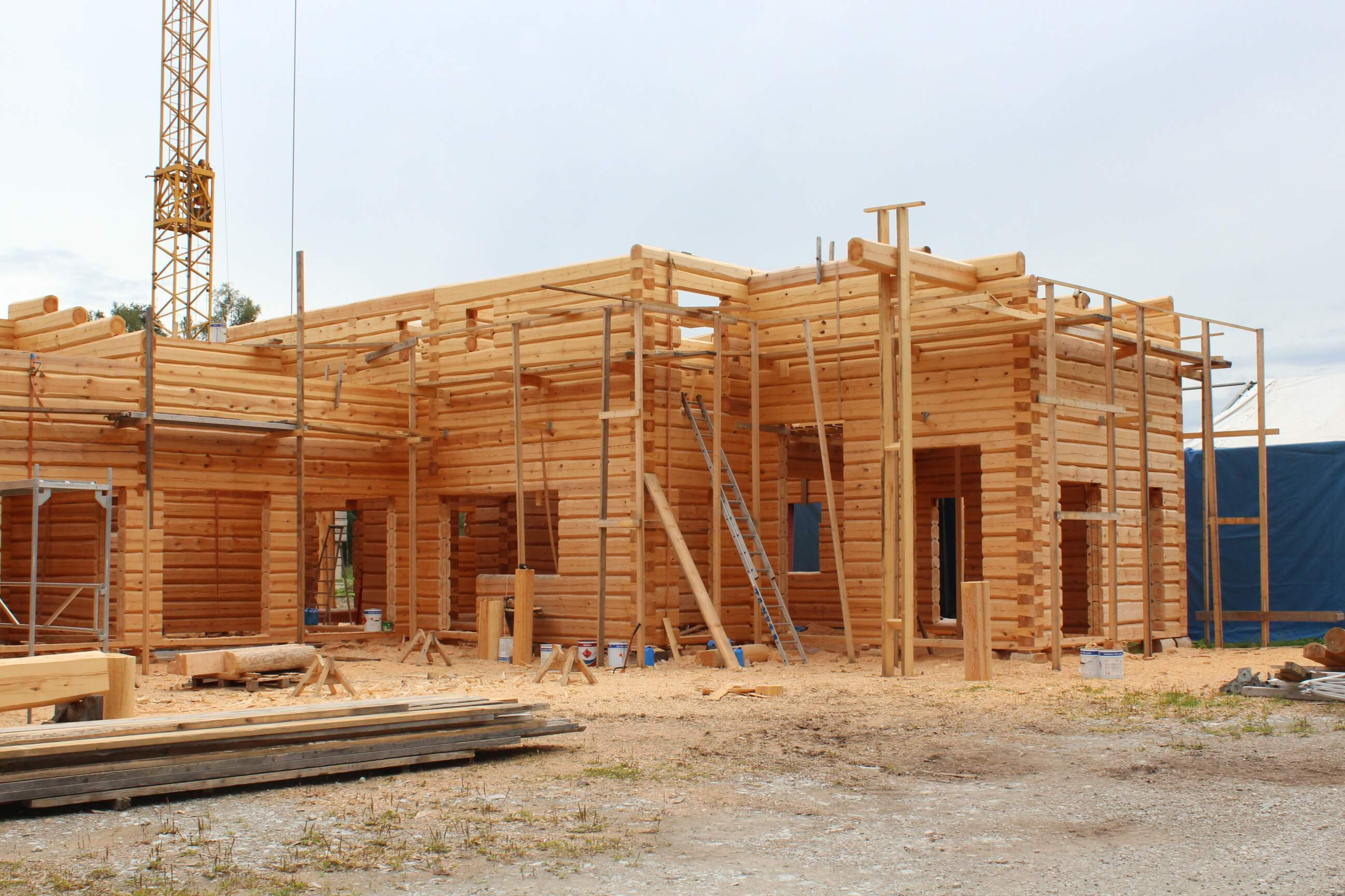 building a log home at the tender factory